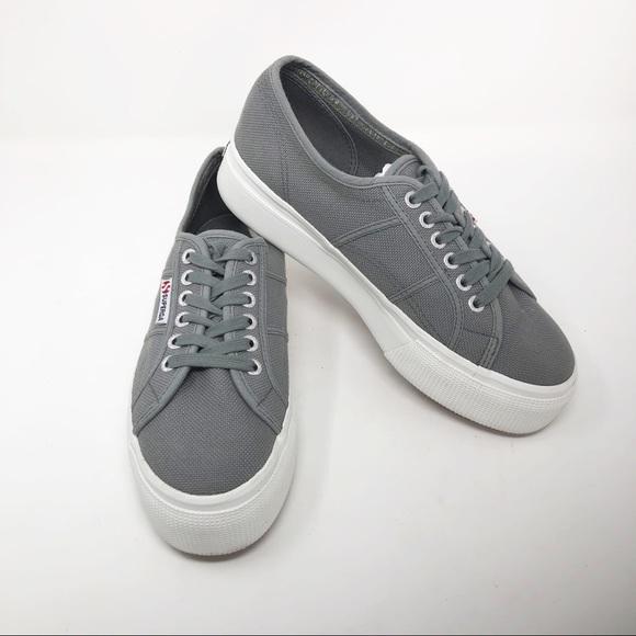 bc5d9c8f40  Superga  Gray Acot Linea Platform Sneakers. M 5c70bfff035cf1d169e58ed2